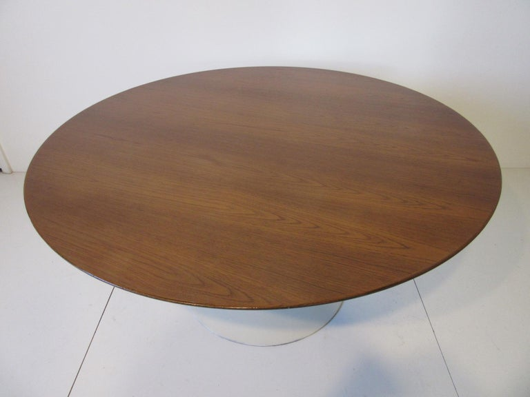 Eero Saarinen 'Rare' Tea Height Tulip Table for Knoll International In Good Condition For Sale In Cincinnati, OH
