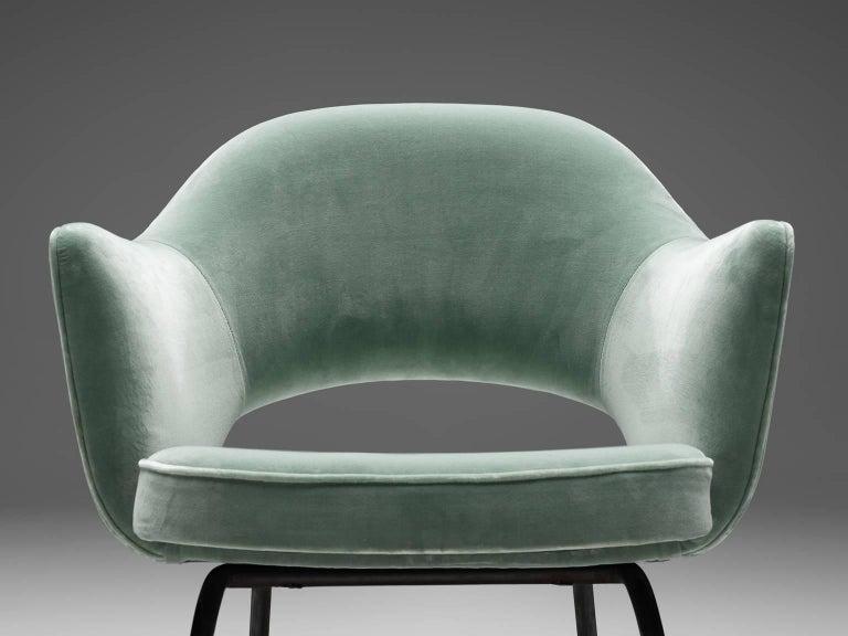 Eero Saarinen Set of Six Reupholstered Armchairs in Velvet and Metal For Sale 3