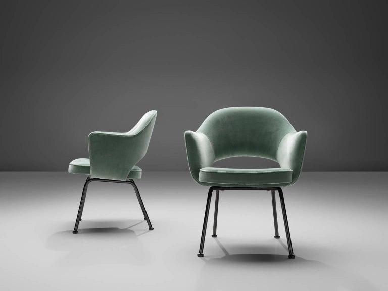 Mid-Century Modern Eero Saarinen Set of Six Reupholstered Armchairs in Velvet and Metal For Sale