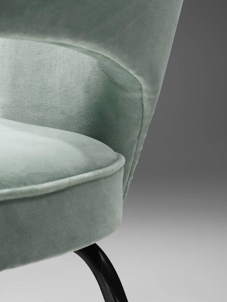 Eero Saarinen Set of Six Reupholstered Armchairs in Velvet and Metal For Sale 2