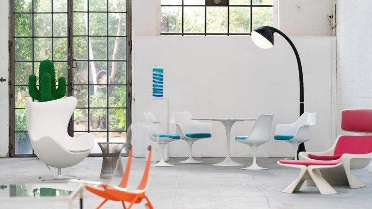 German Eero Saarinen, Set of 4 Tulip Chair by Knoll International in Turquoise-Blue For Sale