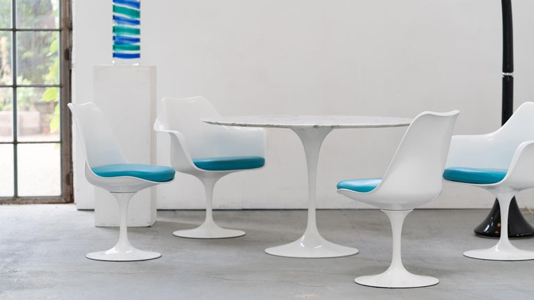Leather Eero Saarinen, Set of 4 Tulip Chair by Knoll International in Turquoise-Blue For Sale