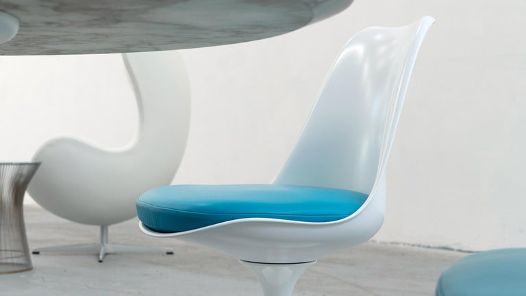 Eero Saarinen, Set of 4 Tulip Chair by Knoll International in Turquoise-Blue For Sale 2