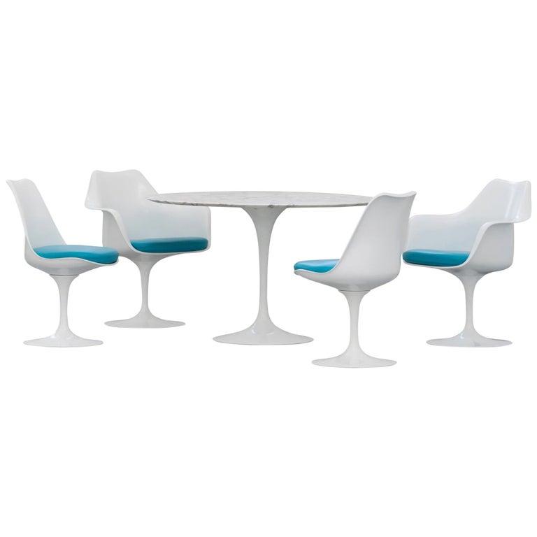 Eero Saarinen, Set of 4 Tulip Chair by Knoll International in Turquoise-Blue For Sale