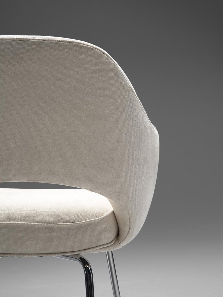 Eero Saarinen Six Armchairs in White Fabric For Sale 1