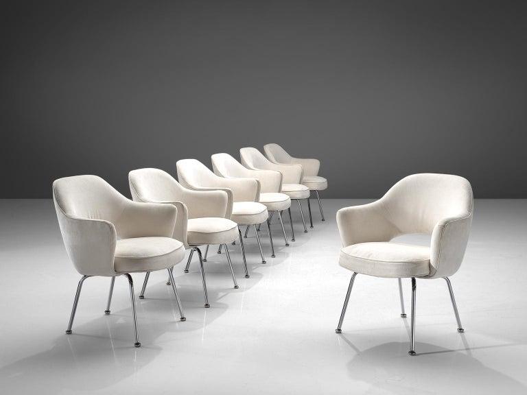 Eero Saarinen Six Armchairs in White Fabric For Sale 2