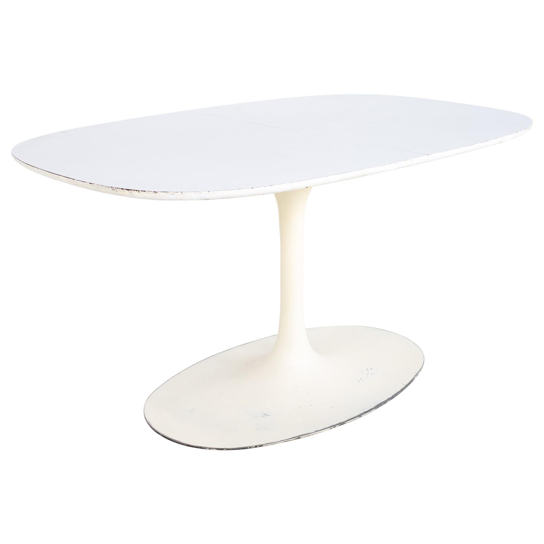 Eero Saarinen Style Burke Mid Century Expanding Oval Tulip Base Dining Table
