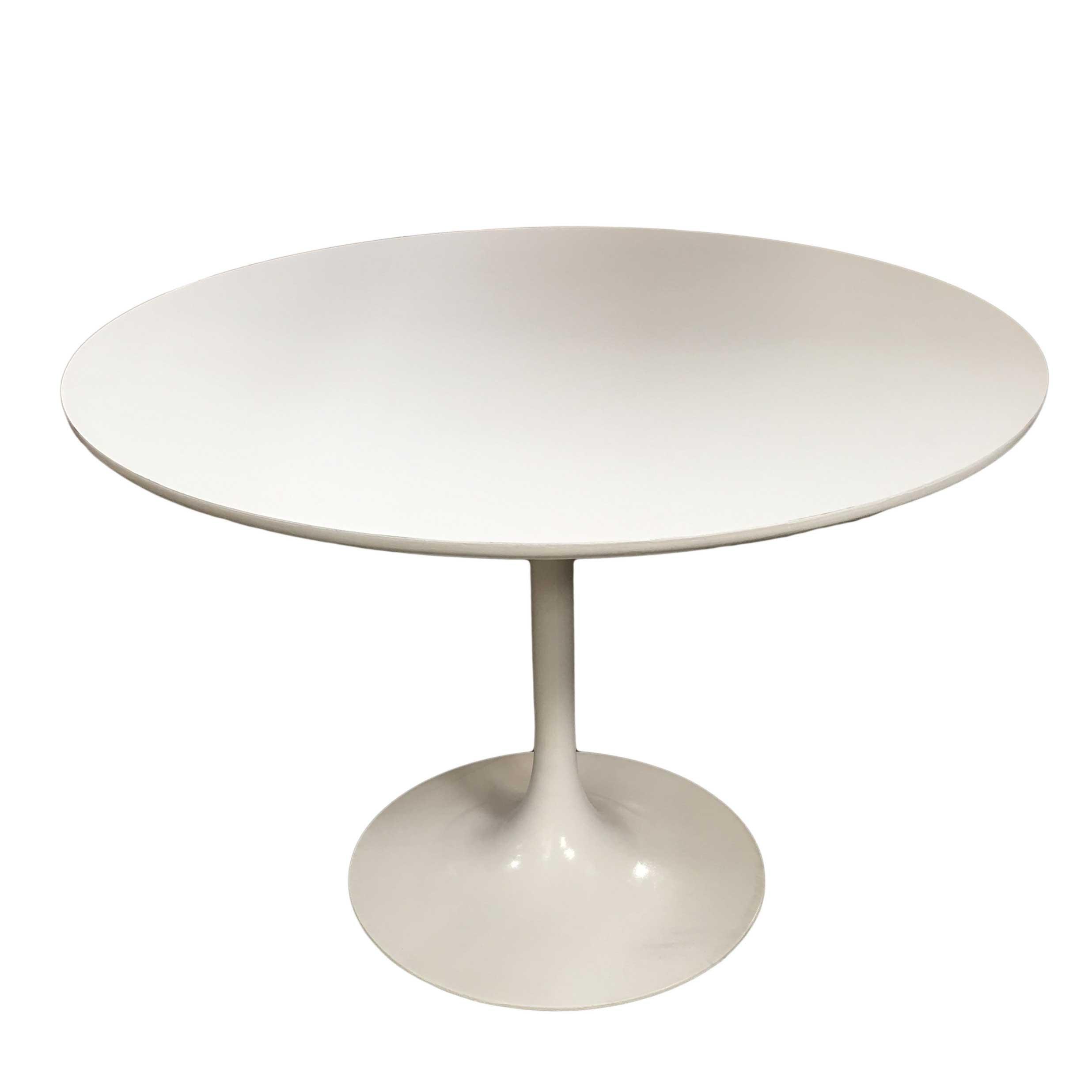 """Eero Saarinen """"Tulip"""" Dining Table for Knoll"""