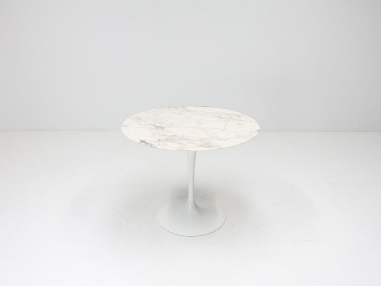 Eero Saarinen Tulip Dining Table, Marble Top, Knoll, Designed 1956 In Good Condition For Sale In London Road, Baldock, Hertfordshire