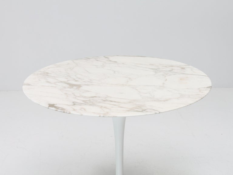 20th Century Eero Saarinen Tulip Dining Table, Marble Top, Knoll, Designed 1956 For Sale