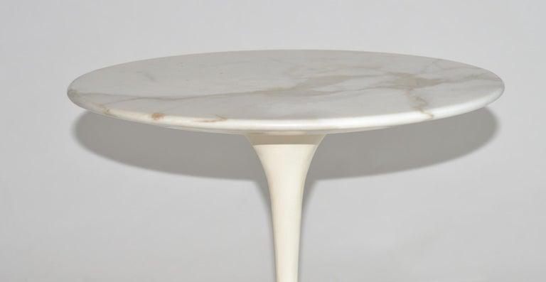 Eero Saarinen Tulip Side Table in Marble by Knoll In Good Condition In Ft Lauderdale, FL