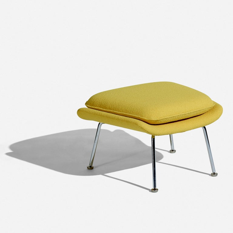 Eero Saarinen Womb Chair and Ottoman for Knoll In Excellent Condition For Sale In Houston, TX