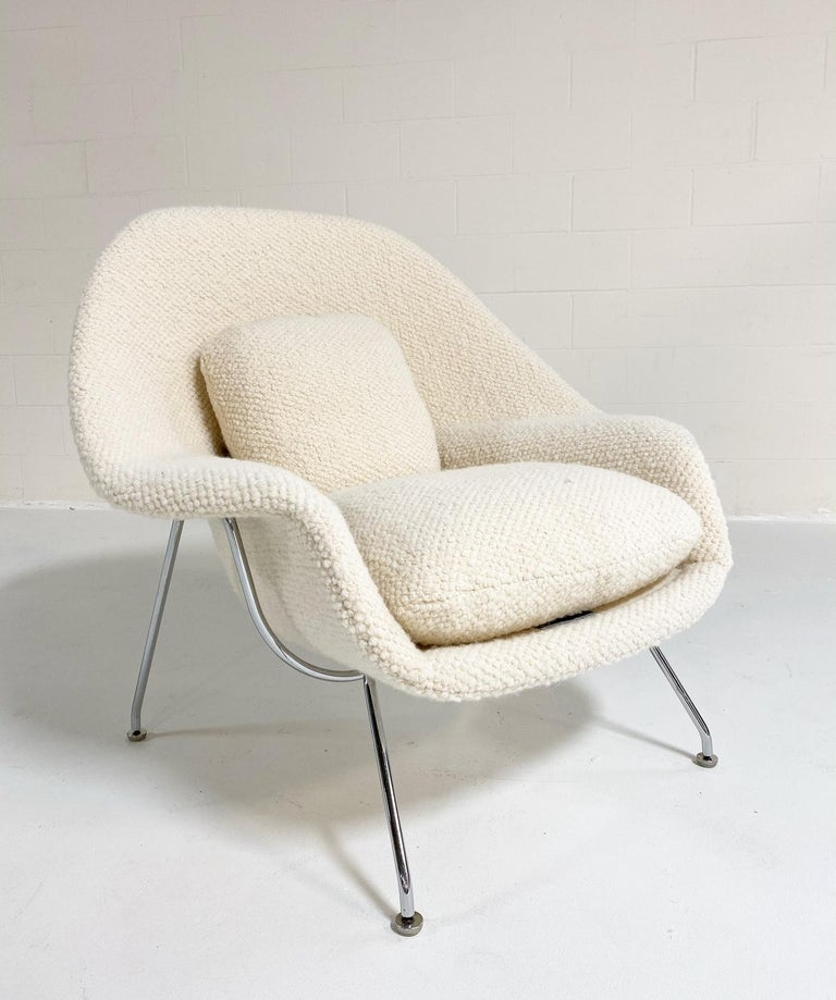 Eero Saarinen Womb Chair and Ottoman in Dedar Boucle In Excellent Condition For Sale In SAINT LOUIS, MO