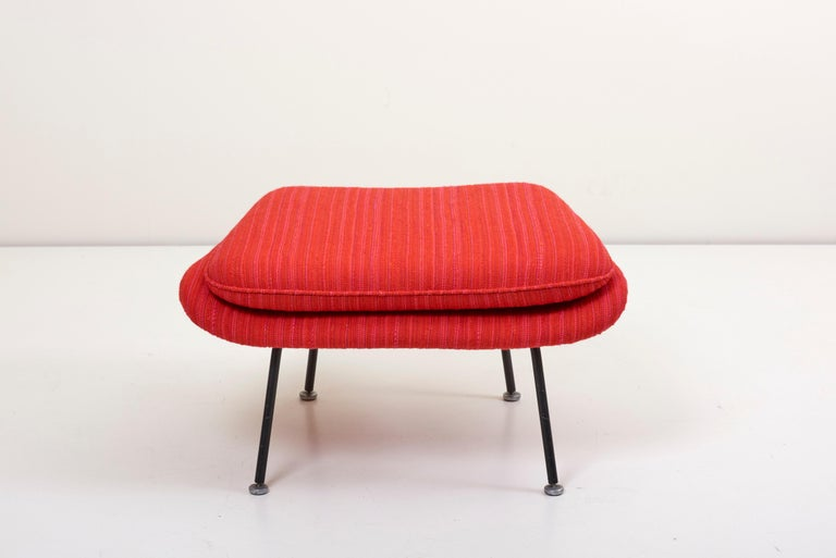 Eero Saarinen Womb Chair with Ottoman by Knoll in Knoll Dynamic Fabric 3