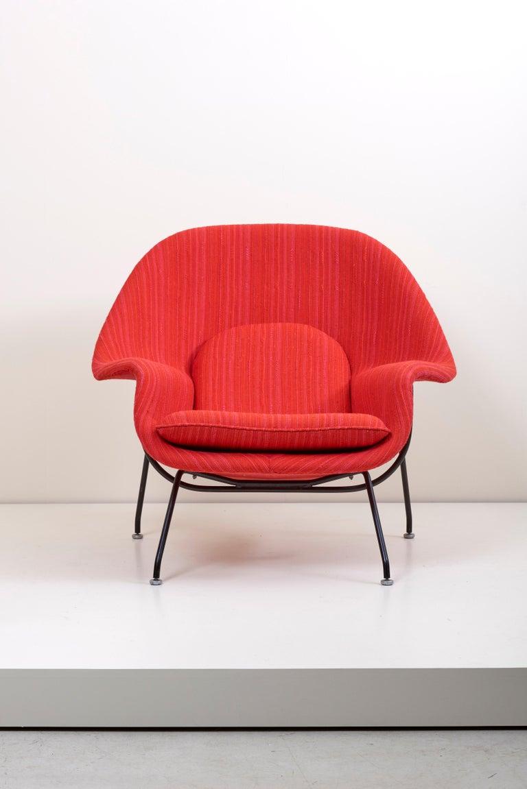 Mid-Century Modern Eero Saarinen Womb Chair with Ottoman by Knoll in Knoll Dynamic Fabric