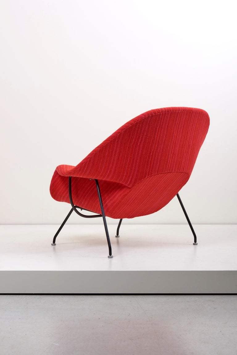 Mid-20th Century Eero Saarinen Womb Chair with Ottoman by Knoll in Knoll Dynamic Fabric