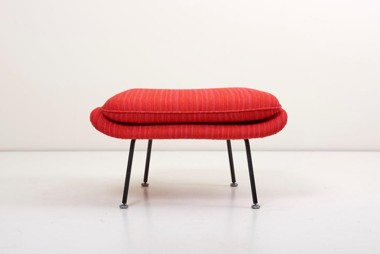 Eero Saarinen Womb Chair with Ottoman by Knoll in Knoll Dynamic Fabric 2
