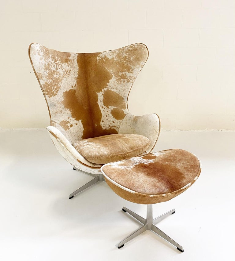 Mid-Century Modern Egg Chair and Ottoman in Brazilian Cowhide For Sale