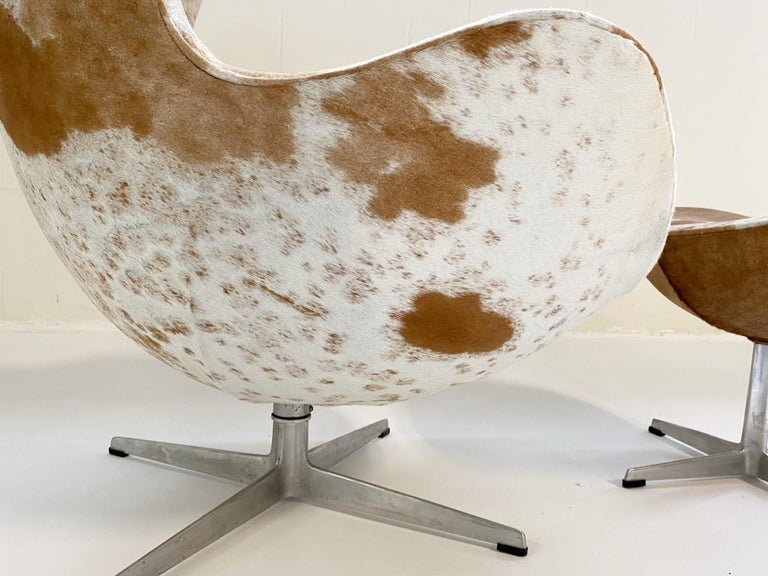 Egg Chair and Ottoman in Brazilian Cowhide For Sale 1
