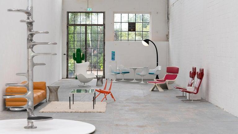 Danish Egg Chair by Arne Jacobsen for Fritz Hansen in White Leather, 2018 Fritz Hansen For Sale