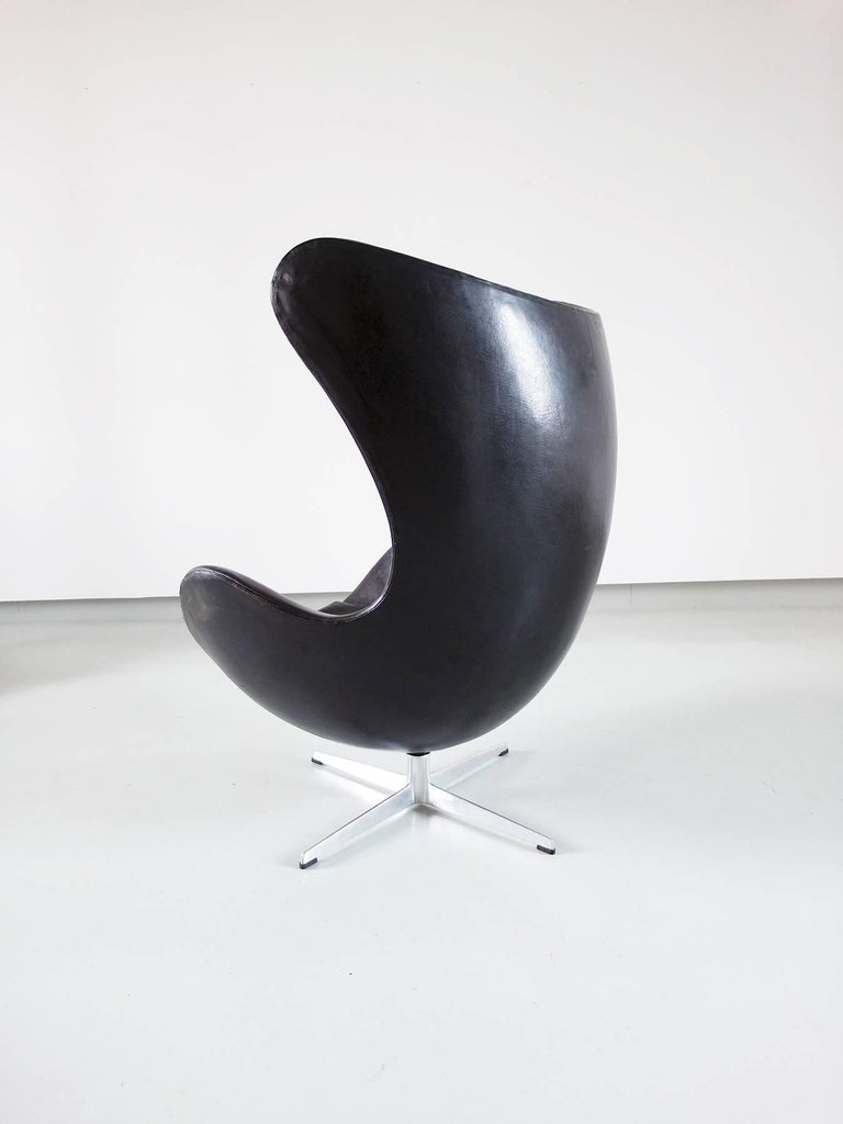 Egg chair by arne jacobsen for fritz hansen original early for Egg chair original