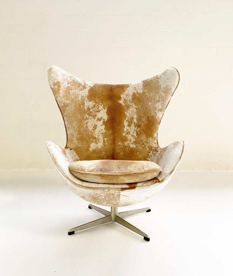 Egg Chair in Brazilian Cowhide For Sale 1