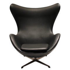 Egg, Model 3316, Black Leather by Arne Jacobsen and Fritz Hansen, 1960s