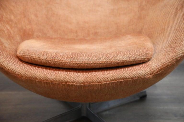 Egg Swivel Chair by Arne Jacobsen for Fritz Hansen, Double Signed, August 1967 For Sale 7