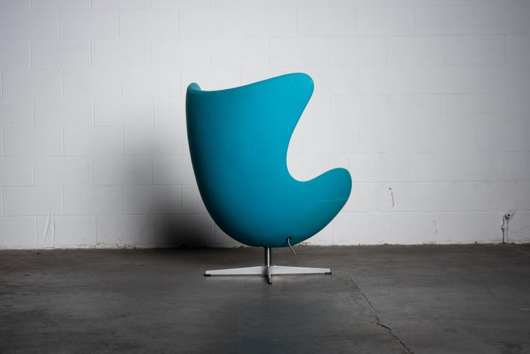 Contemporary 'Egg' Swivel Chair by Arne Jacobsen for Fritz Hansen, Signed For Sale