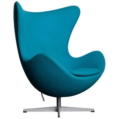 'Egg' Swivel Chair by Arne Jacobsen for Fritz Hansen, Signed
