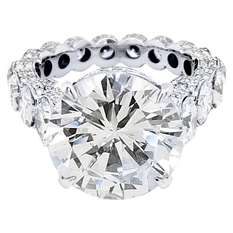 EGL 7.01 Ct Round Diamond 18K Shared-Prong Set Eternity Style Engagement Ring For Sale