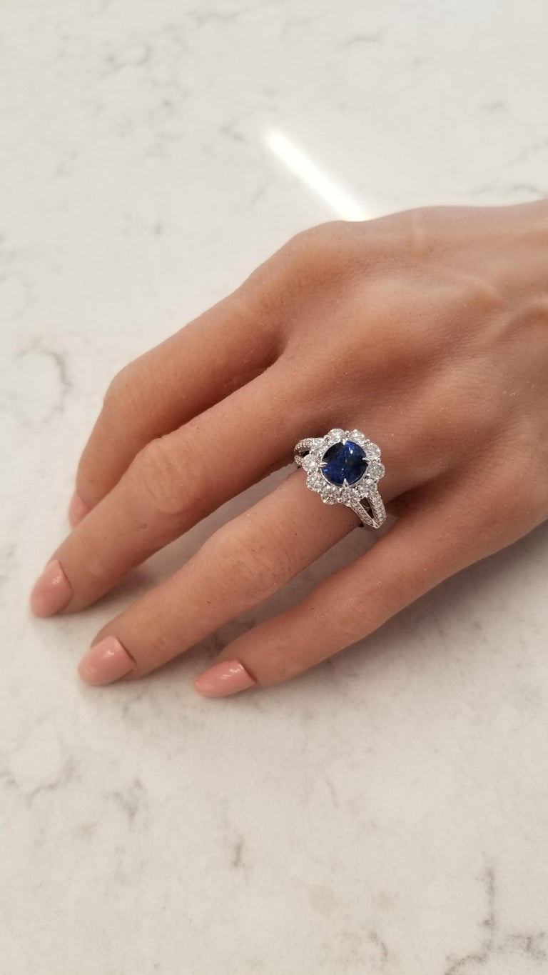 Women's EGL Certified 3.08 Carat Oval Blue Sapphire & Diamond Cocktail Ring In 18K Gold For Sale