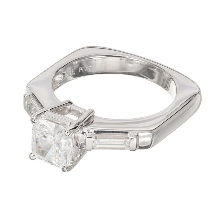 EGL Certified .96 Carat Radiant Cut Diamond Platinum Engagement Ring In Excellent Condition For Sale In Stamford, CT
