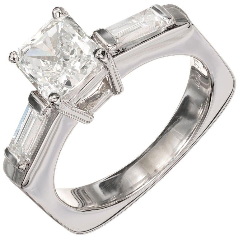 EGL Certified .96 Carat Radiant Cut Diamond Platinum Engagement Ring For Sale