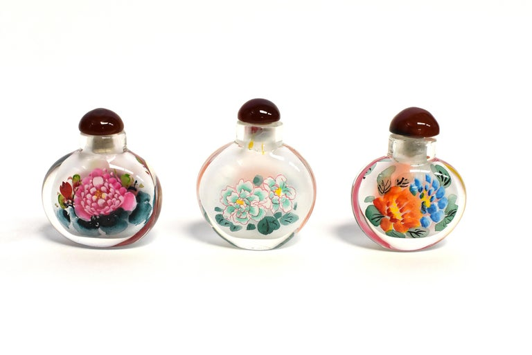Églomisé Reverse Painted Snuff Bottles Set of Three Peonies For Sale 7