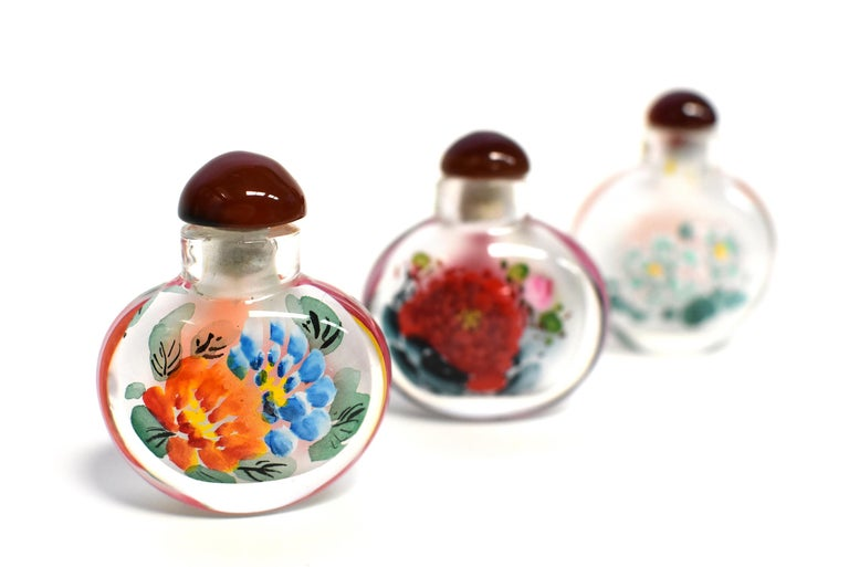 Agate Églomisé Reverse Painted Snuff Bottles Set of Three Peonies For Sale