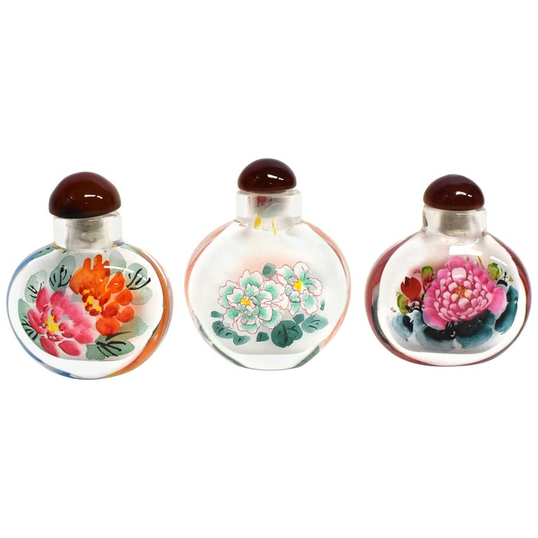 Églomisé Reverse Painted Snuff Bottles Set of Three Peonies For Sale