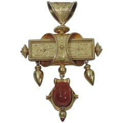 Egyptian Revival 18 Karat Gold Pendant with Scarab