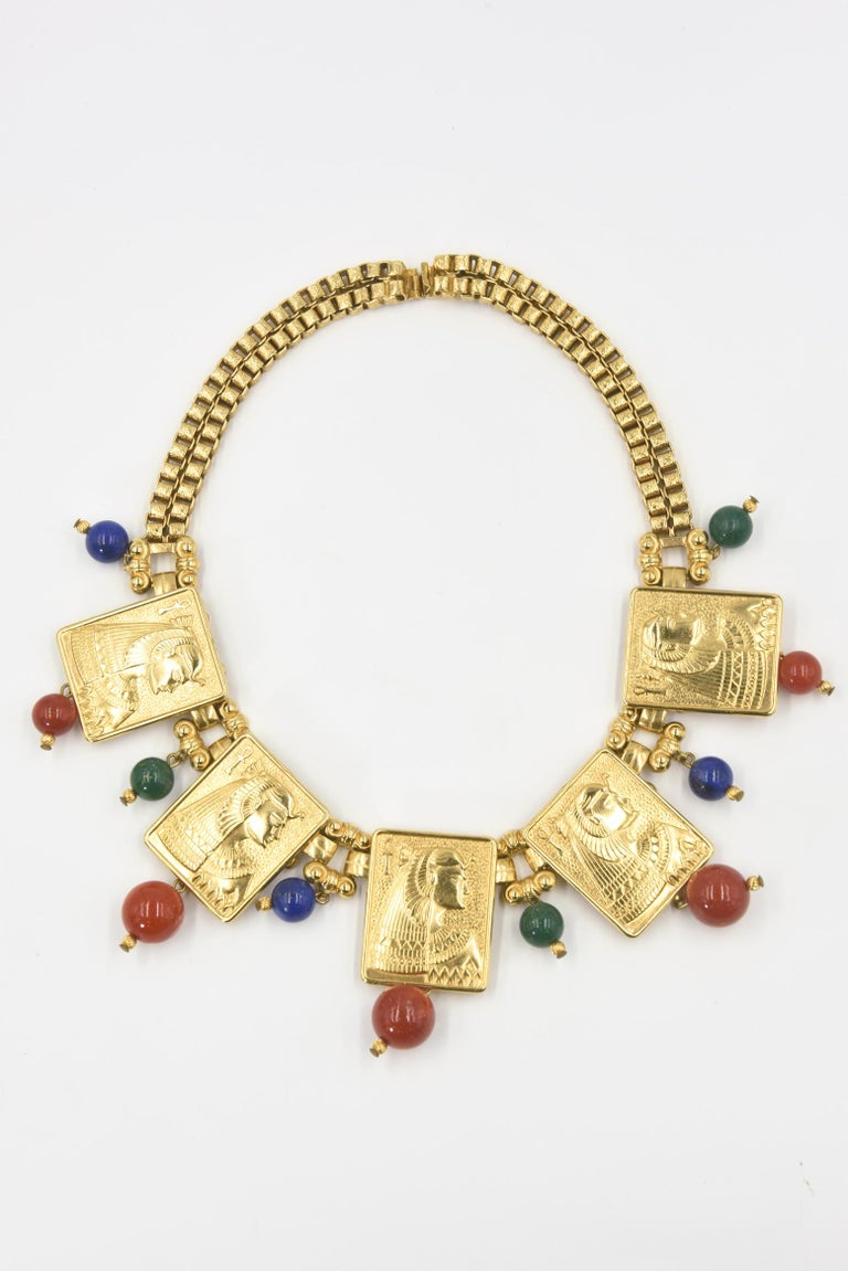 Egyptian Revival Cleopatra Gilt Plaque Necklace and Earrings In Good Condition For Sale In Miami Beach, FL