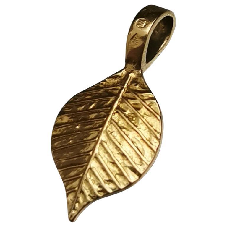 Egyptian Revival Leaf Yellow Gold 18 Karat Pendant Charm For Sale