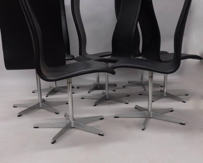 Mid-Century Modern Eight Arne Jacobsen Black Leather Oxford Tall Dining Chairs For Sale