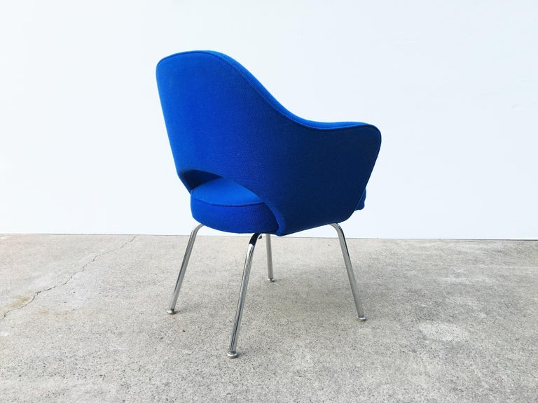 Late 20th Century Eight Blue Eero Saarinen for Knoll Executive Chairs For Sale