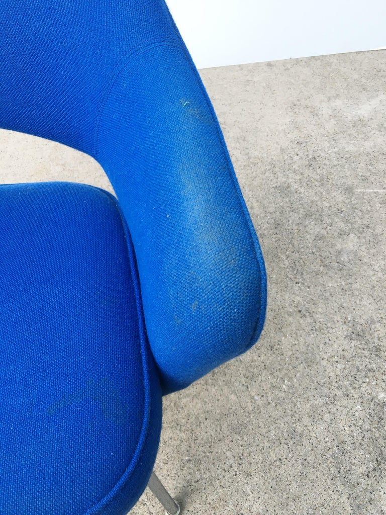 Eight Blue Eero Saarinen for Knoll Executive Chairs For Sale 1
