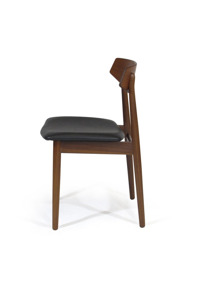 Eight Danish Teak Dining Chairs In Excellent Condition For Sale In Berkeley, CA