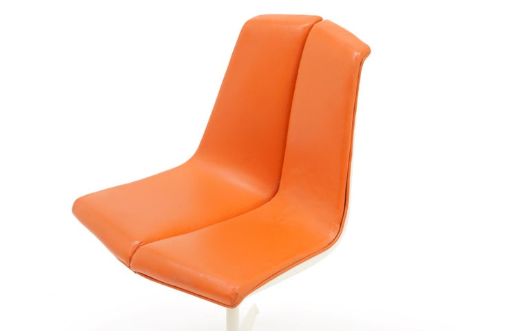 Mid-Century Modern Eight Dining Chairs by Richard Schultz for Knoll. White Frames, Red Orange Seats For Sale