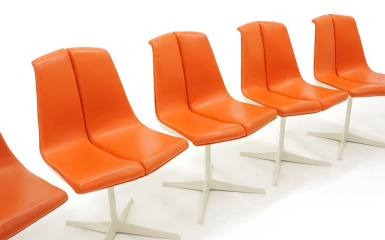 Eight Dining Chairs by Richard Schultz for Knoll. White Frames, Red Orange Seats In Good Condition For Sale In Kansas City, MO