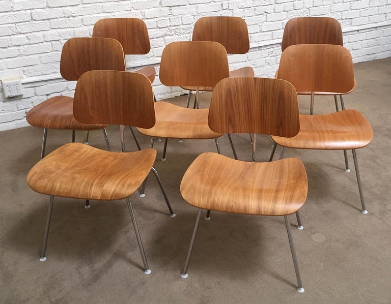 Mid-Century Modern Eight Dinning Chairs Designed by Ray and Charles Eames for Herman Miller For Sale