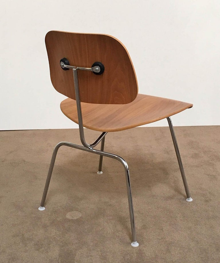American Eight Dinning Chairs Designed by Ray and Charles Eames for Herman Miller For Sale