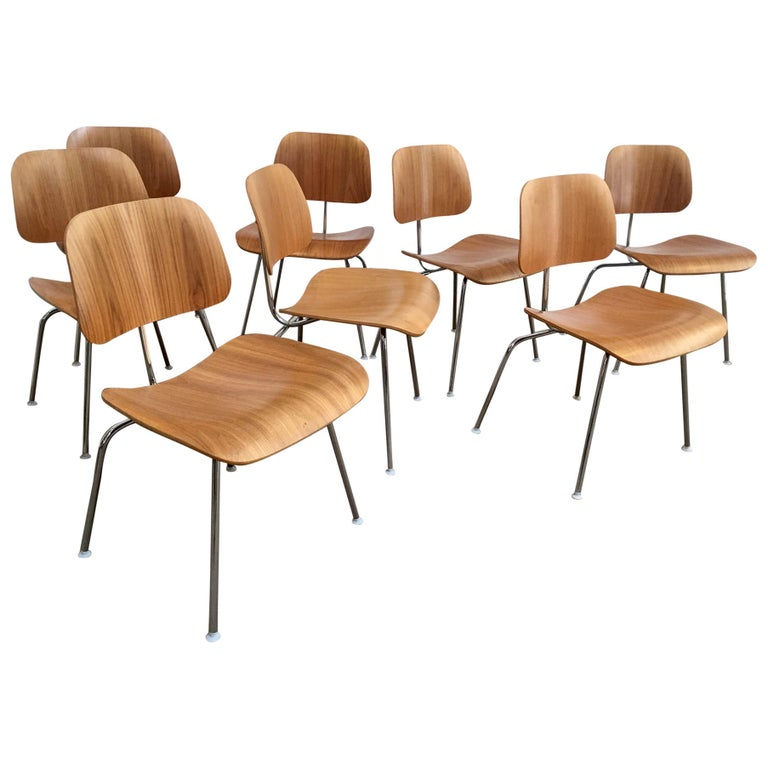 Eight Dinning Chairs Designed by Ray and Charles Eames for Herman Miller For Sale
