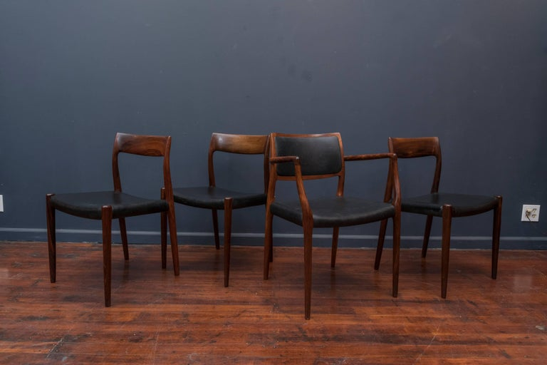 Set of eight Niels O. Møller design rosewood and leather dining chairs model 80 and 77, Denmark. In excellent original condition.
